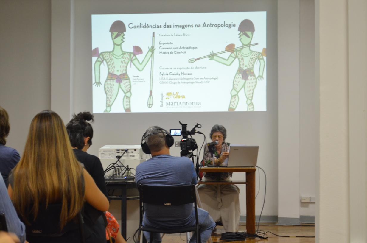 """Abertura e conversa na exposição """"Confidências das imagens na antropologia"""""""