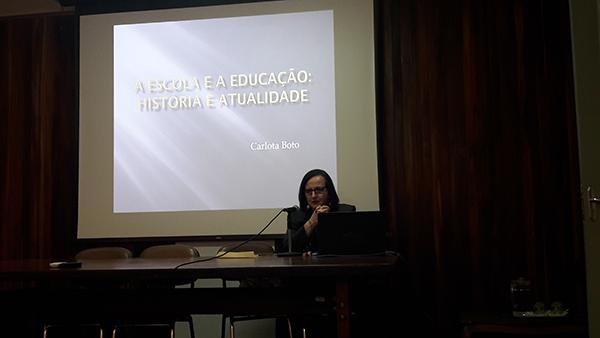 Conferências breves, com Carlota Boto
