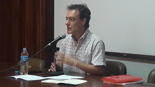 Política em tempo de perplexidade, com Edson Teles